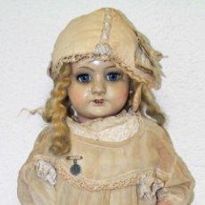 Muñeca española clasica: MU077 MUÑECA ANTIGUA. PORCELANA Y MADERA. PRECISA RESTAURACIÓN. ESPAÑA. AÑOS 20. Lote 54172524