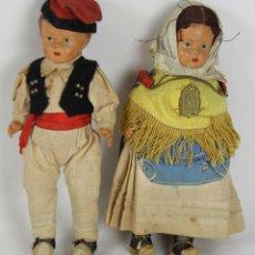 Muñeca española clasica: PAREJA DE MUÑECOS EN CELULOSA CON TRAJES REGIONALES. SIGLO XIX.. Lote 51135905