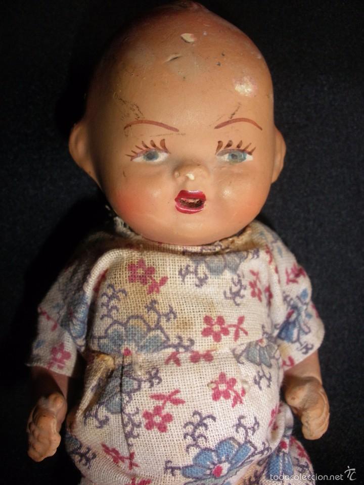 Muñeca española clasica: Antigua muñeca bebe de terracota porcelana años 40s con ropa original 14 cm - Foto 4 - 55194930