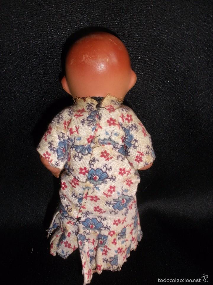 Muñeca española clasica: Antigua muñeca bebe de terracota porcelana años 40s con ropa original 14 cm - Foto 5 - 55194930