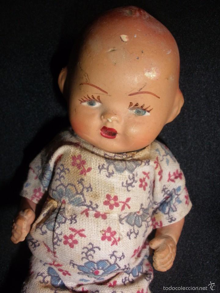 Muñeca española clasica: Antigua muñeca bebe de terracota porcelana años 40s con ropa original 14 cm - Foto 7 - 55194930