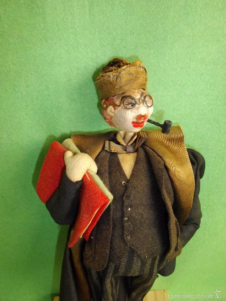 Muñeca española clasica: GENIAL MUÑECO ROLDAN KLUMPE ABOGADO JUEZ MAGISTRADO FIELTRO Y ALAMBRE AÑOS 50 FUMANDO PIPA - Foto 2 - 55951935
