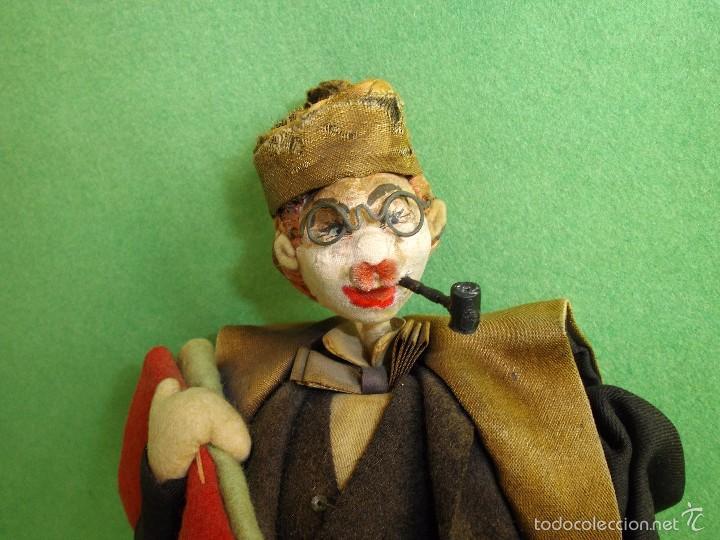 Muñeca española clasica: GENIAL MUÑECO ROLDAN KLUMPE ABOGADO JUEZ MAGISTRADO FIELTRO Y ALAMBRE AÑOS 50 FUMANDO PIPA - Foto 3 - 55951935