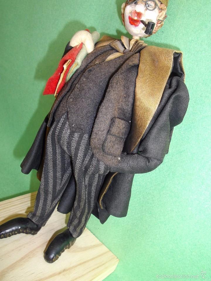 Muñeca española clasica: GENIAL MUÑECO ROLDAN KLUMPE ABOGADO JUEZ MAGISTRADO FIELTRO Y ALAMBRE AÑOS 50 FUMANDO PIPA - Foto 4 - 55951935