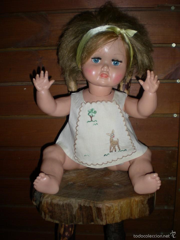 Muñeca española clasica: preciosa muñeca + 2 trajes posiblemente florido o icsa entre los años 50/60 mide 48 cm buen estado - Foto 2 - 56531921