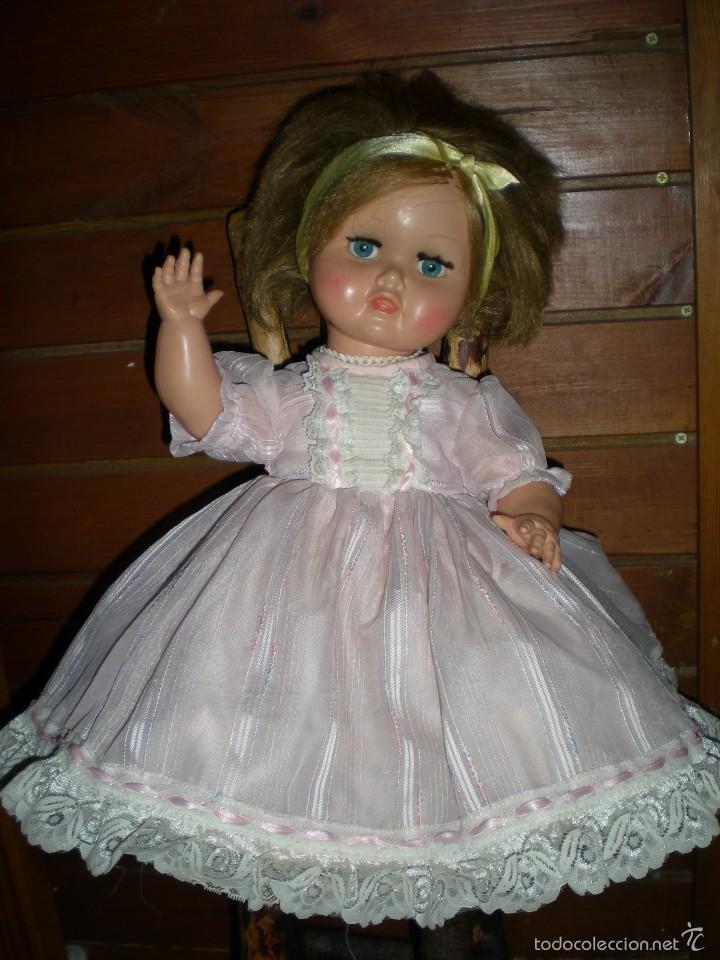Muñeca española clasica: preciosa muñeca + 2 trajes posiblemente florido o icsa entre los años 50/60 mide 48 cm buen estado - Foto 6 - 56531921
