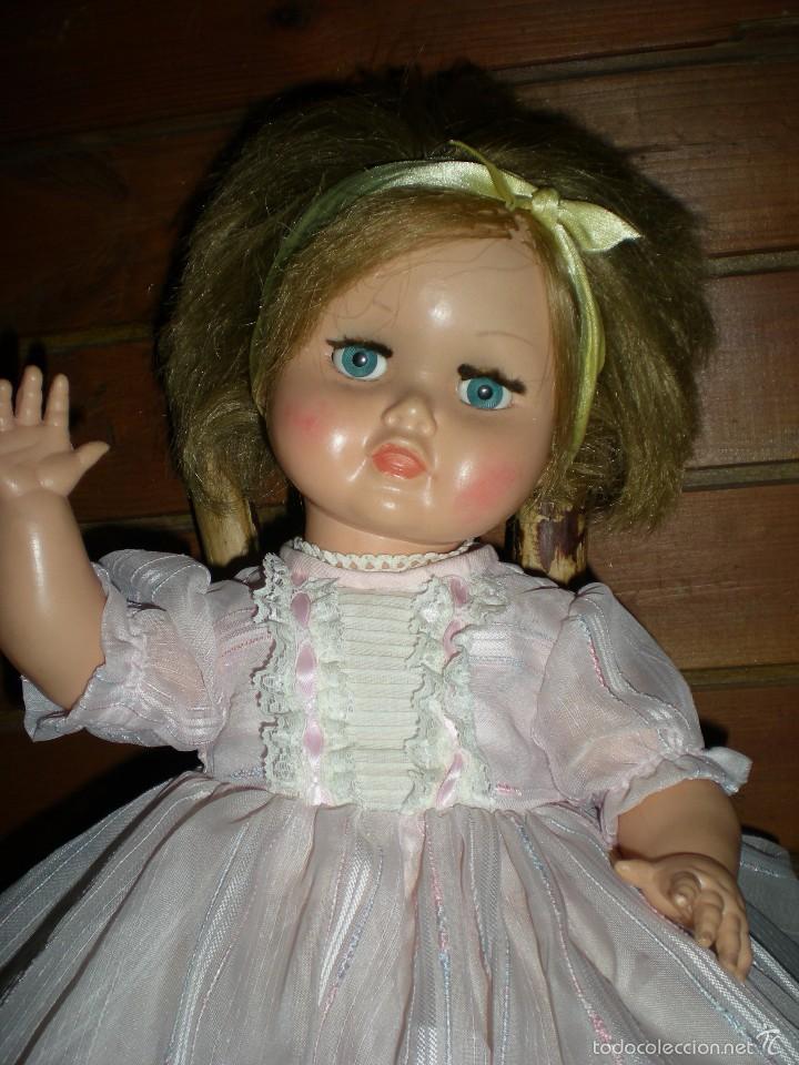 Muñeca española clasica: preciosa muñeca + 2 trajes posiblemente florido o icsa entre los años 50/60 mide 48 cm buen estado - Foto 7 - 56531921