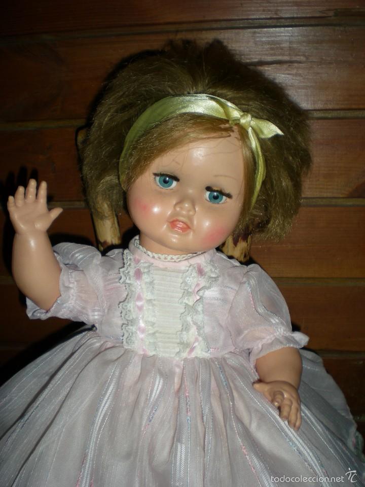 Muñeca española clasica: preciosa muñeca + 2 trajes posiblemente florido o icsa entre los años 50/60 mide 48 cm buen estado - Foto 8 - 56531921