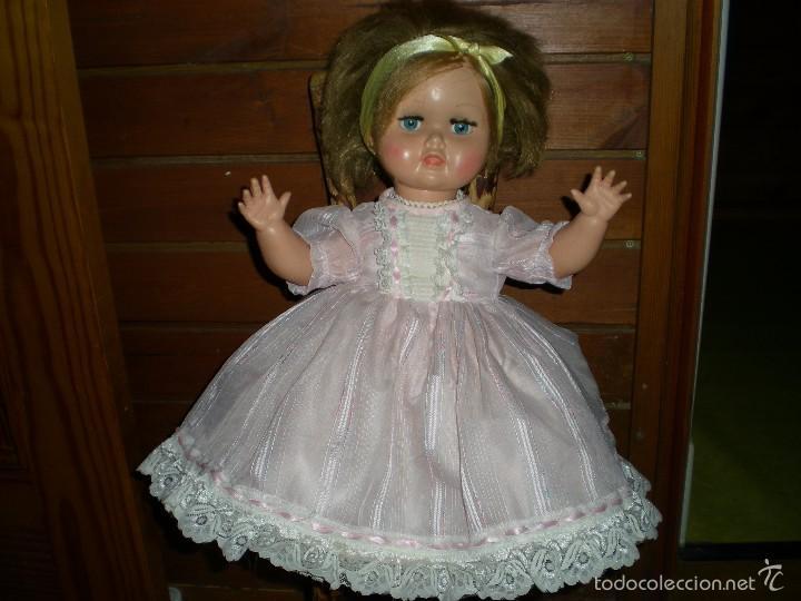 Muñeca española clasica: preciosa muñeca + 2 trajes posiblemente florido o icsa entre los años 50/60 mide 48 cm buen estado - Foto 9 - 56531921
