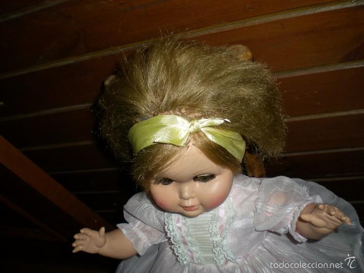 Muñeca española clasica: preciosa muñeca + 2 trajes posiblemente florido o icsa entre los años 50/60 mide 48 cm buen estado - Foto 10 - 56531921