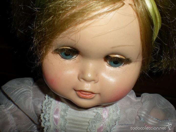 Muñeca española clasica: preciosa muñeca + 2 trajes posiblemente florido o icsa entre los años 50/60 mide 48 cm buen estado - Foto 11 - 56531921