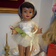 Muñeca española clasica: SISSI, MUÑECA ESPAÑOLA DE CARTÓN PIEDRA, INDUSTRIAS LEB, AÑOS 50. Lote 56616446