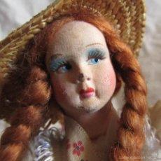 Muñeca española clasica: MUÑECA CUERPO PLÁSTICO CABEZA DE CARTÓN 22 CENTÍMETROS ALTURA. Lote 57220916