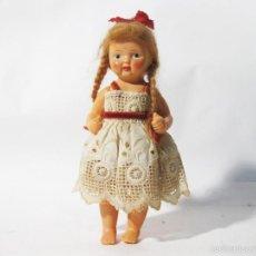 Muñeca española clasica: MUÑECA DE PLASTICO DURO DE LOS AÑOS 50. MIDE 20 CMS DE ALTO. Lote 58146200
