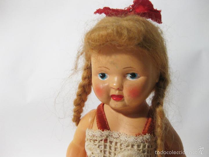 Muñeca española clasica: MUÑECA DE PLASTICO DURO DE LOS AÑOS 50. MIDE 20 CMS DE ALTO - Foto 2 - 58146200