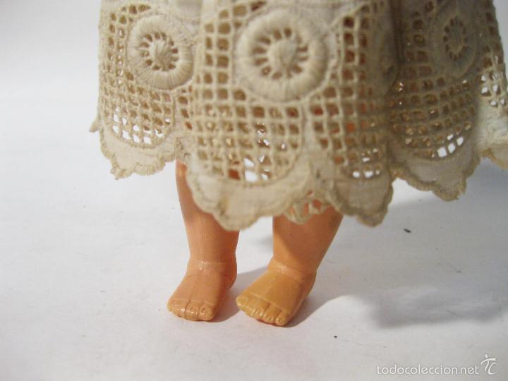 Muñeca española clasica: MUÑECA DE PLASTICO DURO DE LOS AÑOS 50. MIDE 20 CMS DE ALTO - Foto 4 - 58146200