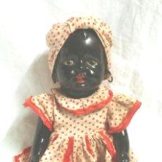Muñeca española clasica: NEGRITA PORCELANA. MED. 16 CM SENTADA. Lote 58221309