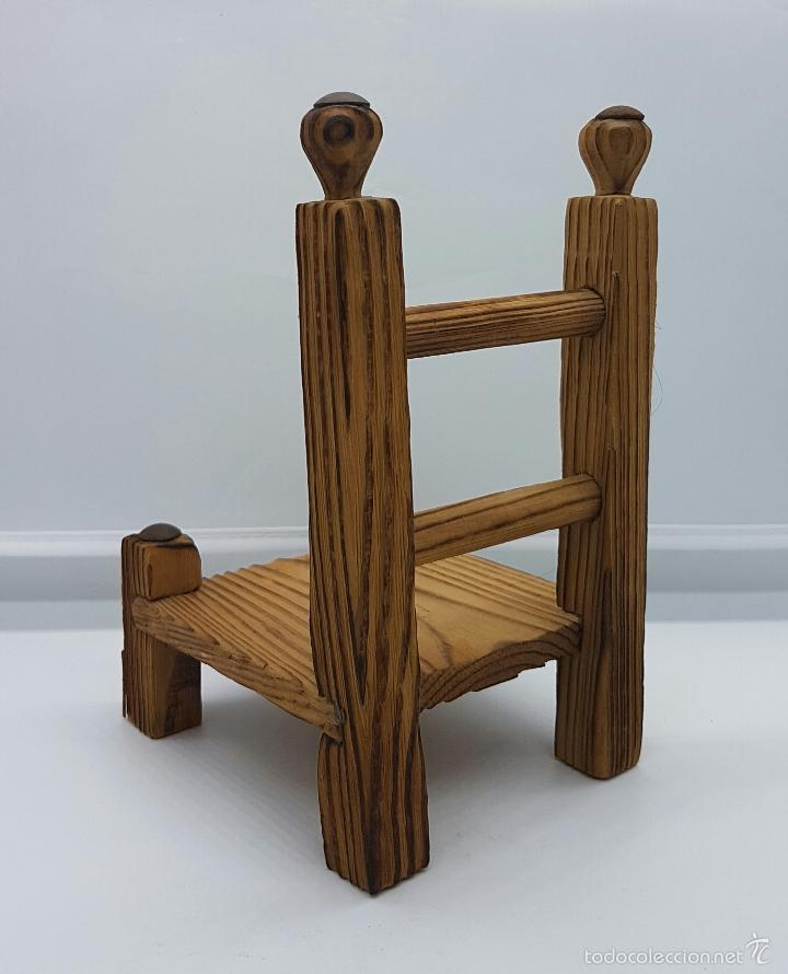 Muñeca española clasica: Silla para muñecas andaluza en madera tallada a mano . - Foto 2 - 58544017