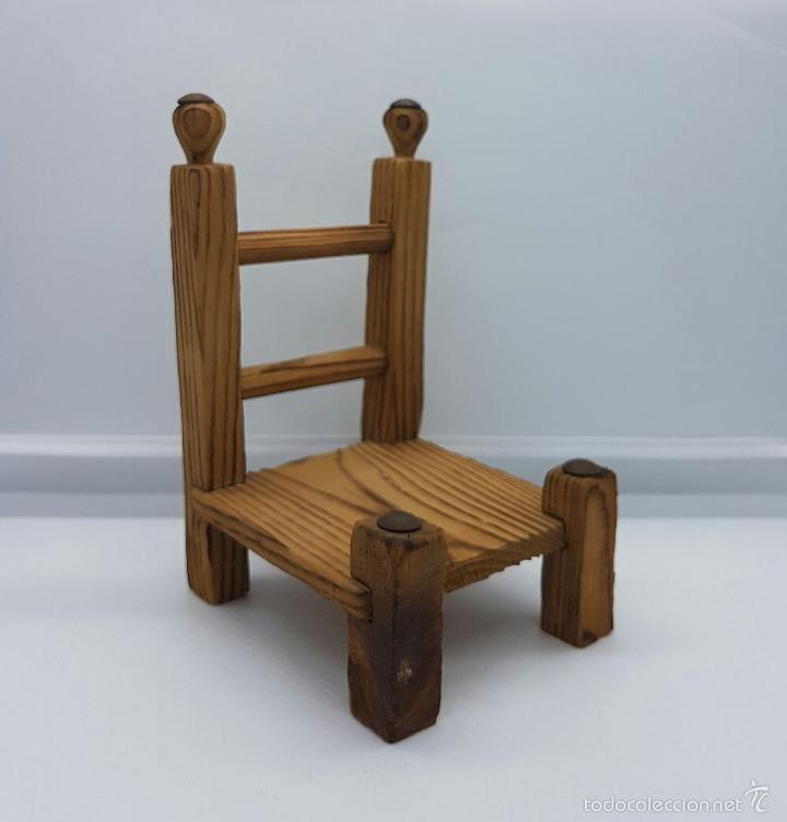 Muñeca española clasica: Silla para muñecas andaluza en madera tallada a mano . - Foto 5 - 58544017