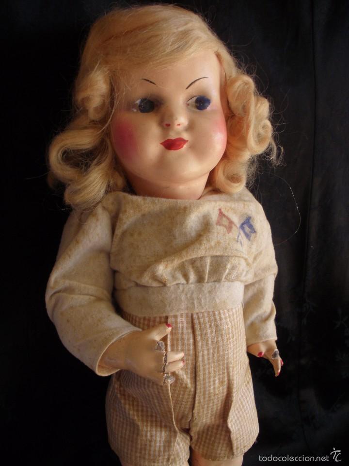 Muñeca española clasica: MUÑECA ANTIGUA DE CARTON PIEDRA DE LA POSGUERRA CONJUNTO DEPORTIVO ROPA ORIGINAL años 30-40 - Foto 2 - 58640511