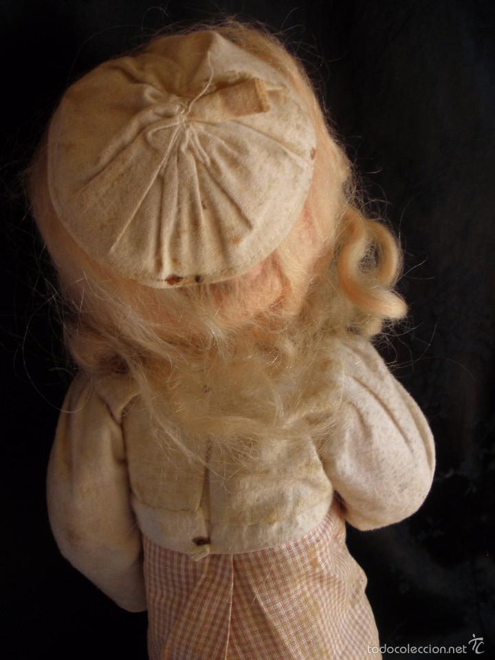 Muñeca española clasica: MUÑECA ANTIGUA DE CARTON PIEDRA DE LA POSGUERRA CONJUNTO DEPORTIVO ROPA ORIGINAL años 30-40 - Foto 3 - 58640511