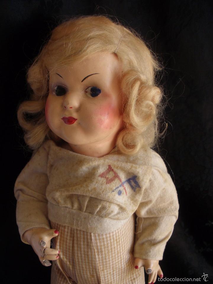 Muñeca española clasica: MUÑECA ANTIGUA DE CARTON PIEDRA DE LA POSGUERRA CONJUNTO DEPORTIVO ROPA ORIGINAL años 30-40 - Foto 5 - 58640511