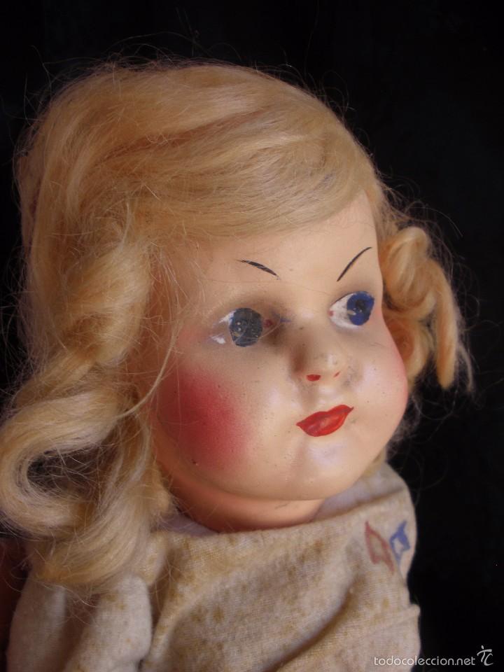 Muñeca española clasica: MUÑECA ANTIGUA DE CARTON PIEDRA DE LA POSGUERRA CONJUNTO DEPORTIVO ROPA ORIGINAL años 30-40 - Foto 6 - 58640511