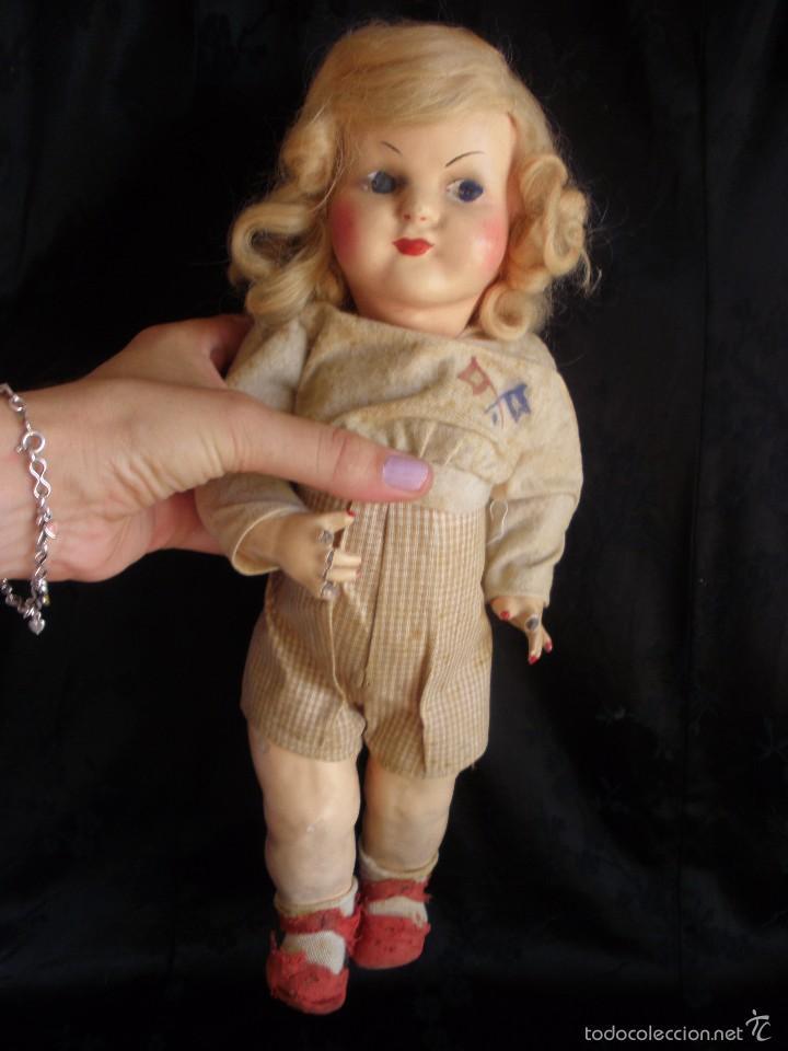Muñeca española clasica: MUÑECA ANTIGUA DE CARTON PIEDRA DE LA POSGUERRA CONJUNTO DEPORTIVO ROPA ORIGINAL años 30-40 - Foto 8 - 58640511