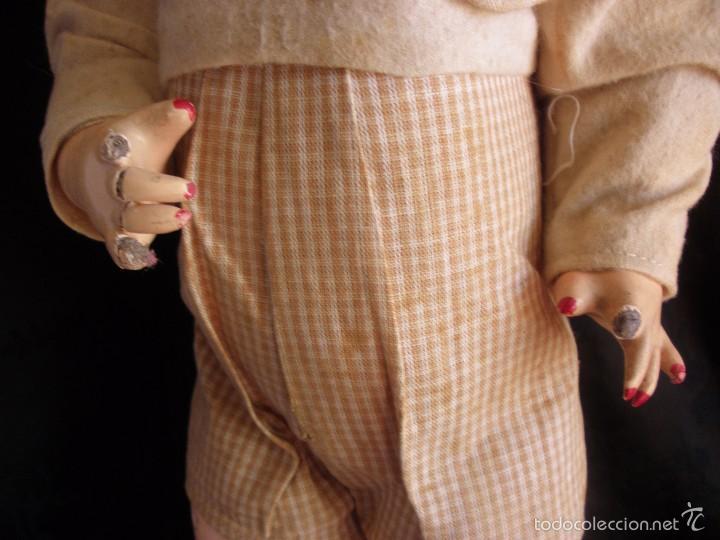 Muñeca española clasica: MUÑECA ANTIGUA DE CARTON PIEDRA DE LA POSGUERRA CONJUNTO DEPORTIVO ROPA ORIGINAL años 30-40 - Foto 10 - 58640511