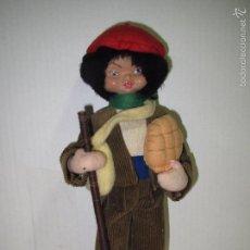 Muñeca española clasica: ANTIGUO MUÑECO PAISANO CON PAN Y TRAJE DE PANA CALIDAD MATERIALES GOMA MADERA TELAS - AÑO 1940-50S. Lote 61400495