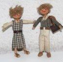 Muñeca española clasica: MU131 PAREJA DE MUÑECOS EN MINIATURA. MADERA Y ALAMBRE. ESPAÑA. AÑOS 50. Lote 64023683