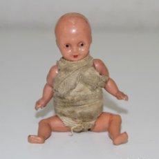 Muñeca española clasica: MU137 BEBÉ EN MINIATURA. CELULOIDE. PINTADO A MANO. ESPAÑA. AÑOS 20. Lote 64957259