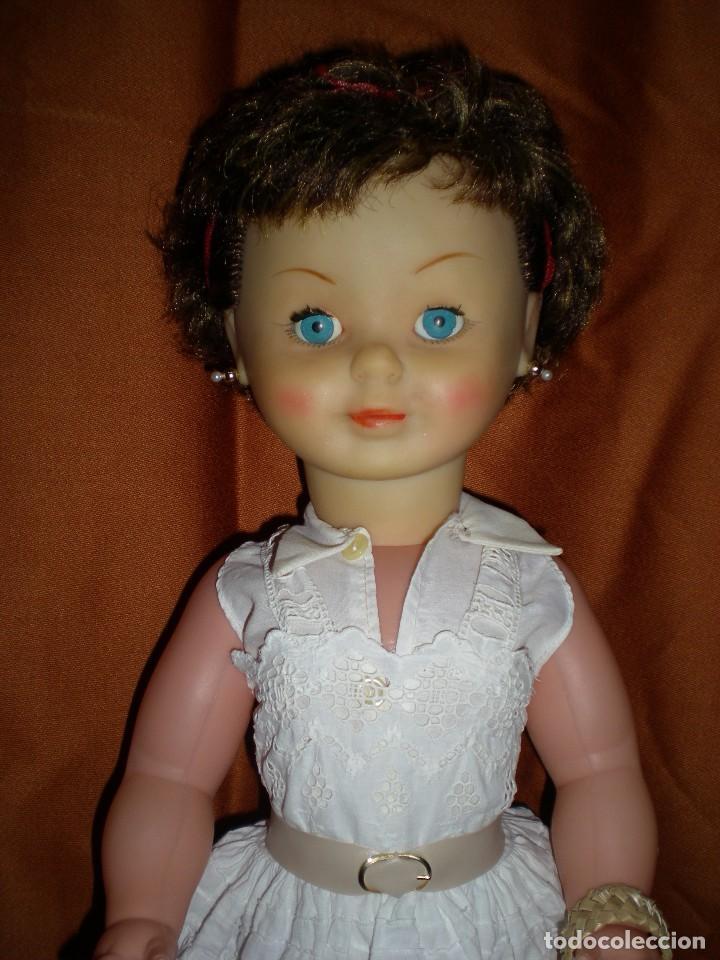 Muñeca española clasica: preciosa mirinda de famosa años 50/60 pelo mechas castañas y doradas muy buen estado - Foto 2 - 68647345