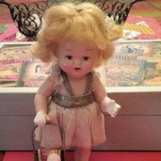 Muñeca española clasica: MUÑECA DE CELULOIDE CON SILLA Y BEBÉ. Lote 69214181