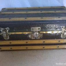 Muñeca española clasica: BAUL DE MUÑECAS - ANTIGUO-DESCONOZCO DE QUE MUÑECA. Lote 69590017