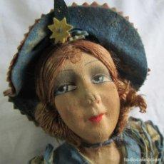 Muñeca española clasica: MUÑECA DE TELA BONITO VESTIDO CON SEDA NATURAL EN EL INTERIOR 48 CM DE ALTURA. Lote 69779777