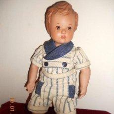 Muñeca española clasica: ANTIGUO MUÑECO DE BARRO COCIDO PINTADO A MANO ROPITA DE MARINERO ORIGINAL. Lote 73525027