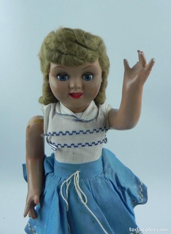 Muñeca española clasica: Muñeca de la serie Molina, años 50. realizada en cartón piedra, cabello de mohair, ojo durmiente, r - Foto 3 - 73758223