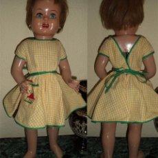 Muñeca española clasica: ANTIGUA MUÑECA DE CARTÓN VIVIANA LLEVA VESTIDO ORIGINAL. Lote 77489817