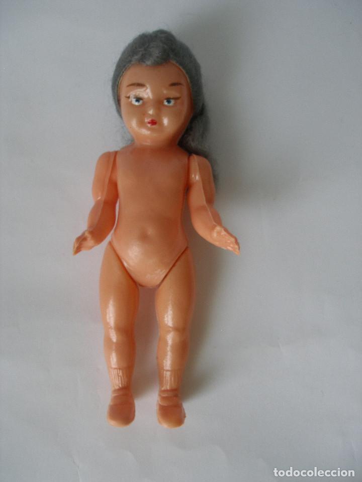 Muñeca española clasica: Muñeca ( 15,5 cm ) celuloide pelo mohair años 50 - 60 - sin uso - Foto 3 - 78418425