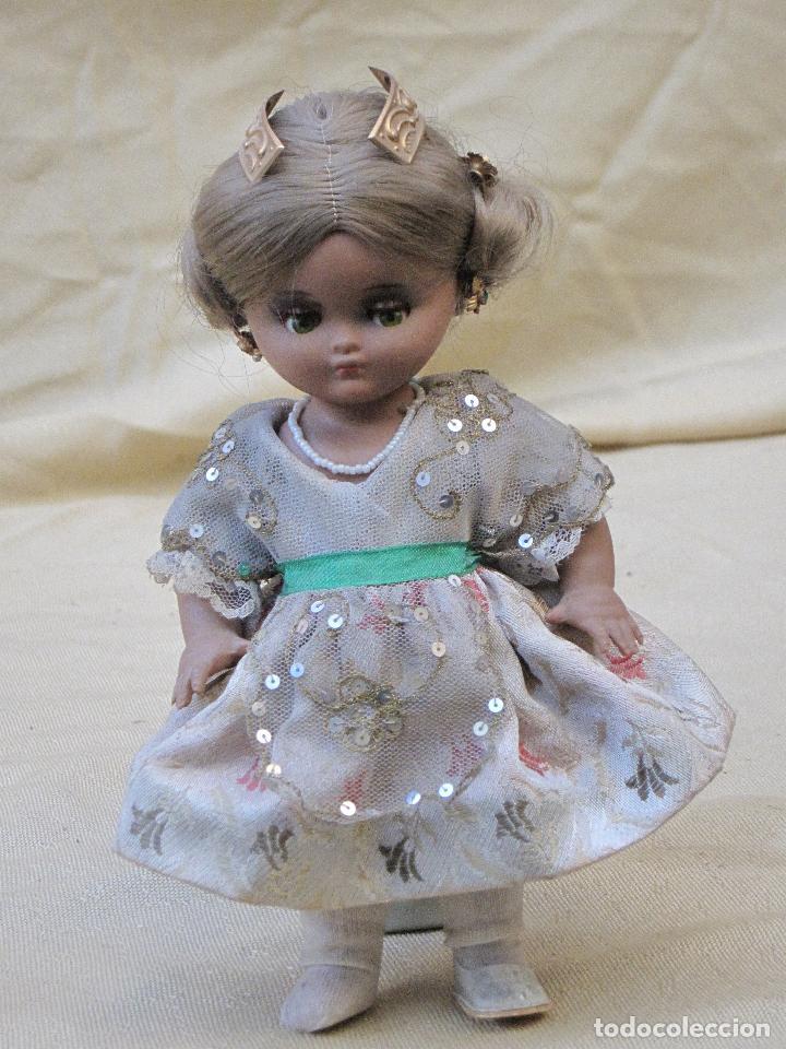 Muñeca española clasica: MUÑECA ANTIGUA CON TRAJE REGIONAL - FALLERA O VALENCIANA - OJOS MOVIBLES. - Foto 8 - 78441497