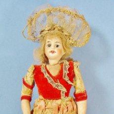 Muñeca española clasica: ANTIGUA MUÑECA DE PORCELANA. HACIA 1900. 15 CM ALTURA. BUEN ESTADO.. Lote 82860236