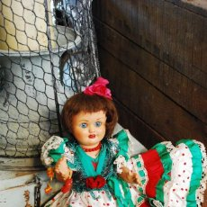 Muñeca española clasica: PRECIOSA MUÑECA ANTIGUA VESTIDA DE GITANA. Lote 84366876