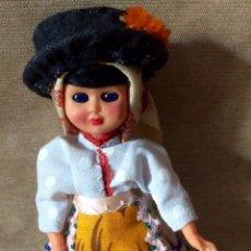 Muñeca española clasica: MUÑECA DE CELULOIDE CON TRAJE REGIONAL AÑOS 60. Lote 87860988