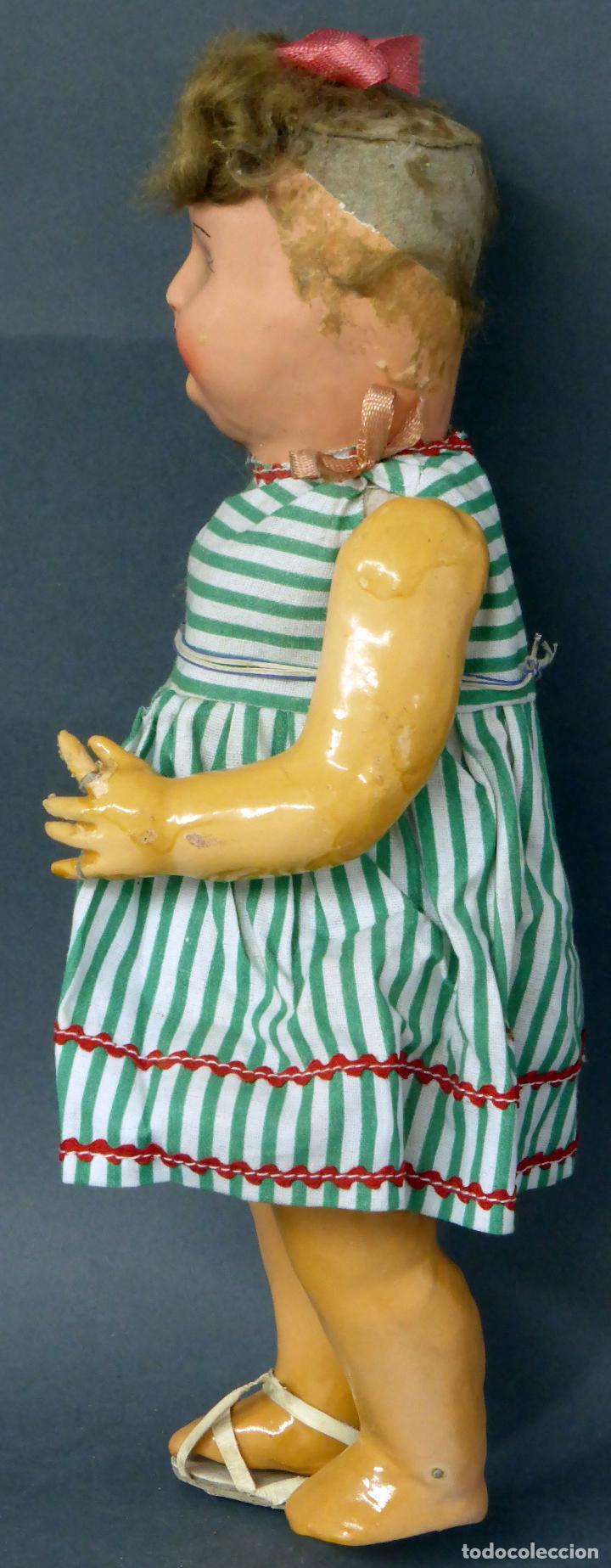 Muñeca española clasica: Muñeca popular cartón piedra articulada ropa original peluca sandalias años 40 33 cm época Mariquita - Foto 3 - 88976784
