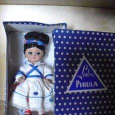 Muñeca española clasica: MUÑECA LINDA PIRULA EN CAJA. Lote 91003060