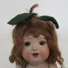Muñeca española clasica: ANTIGUA MUÑECA - CARTÓN PIEDRA - CABELLO MOHAIR - OJOS DE CRISTAL DURMIENTES - ORIGINAL - AÑOS 20-30. Lote 91266640
