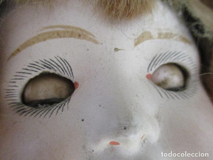 Muñeca española clasica: Antigua Muñeca - Cartón Piedra - Cabello Mohair - Ojos de Cristal Durmientes - Original - Años 20-30 - Foto 15 - 91266640