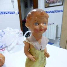 Muñeca española clasica: MUÑECA DE CARTÓN PIEDRA ARTICULADA EN PIERNAS Y BRAZOS. AÑOS 40. Lote 91654365