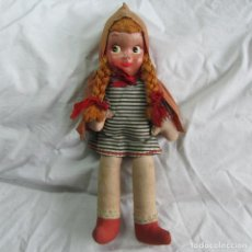 Muñeca española clasica: MUÑECA DE TELA Y LIENZO CAPERUCITA ROJA. Lote 153692076